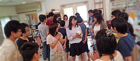 教会の青年会の様子